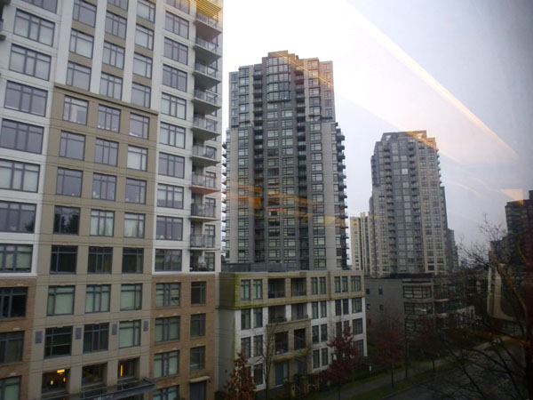 Vancouver_Collingwood_towers3