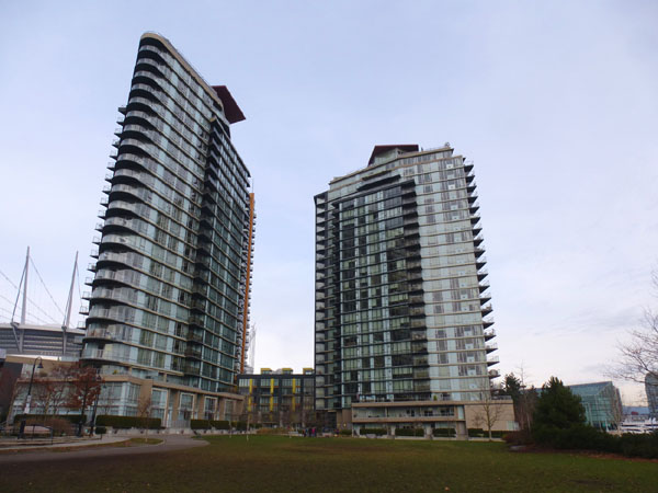 Vancouver_Concord_Pacific_towers